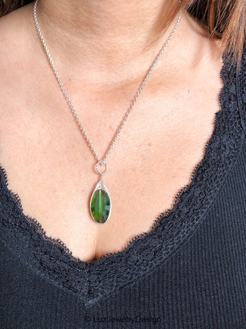 Green silver chain necklace