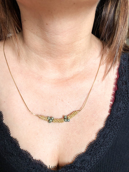 Gold necklace - Gold green necklace - handcrafted Jewelry Luzjewelrydesign