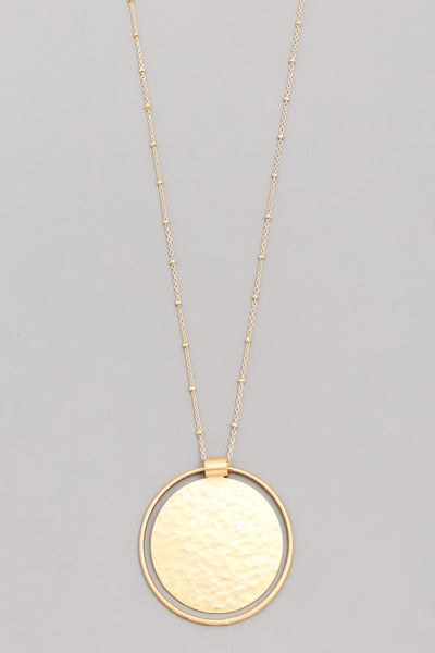 HAMMERED DISC PENDANT NECKLACE - GOLD
