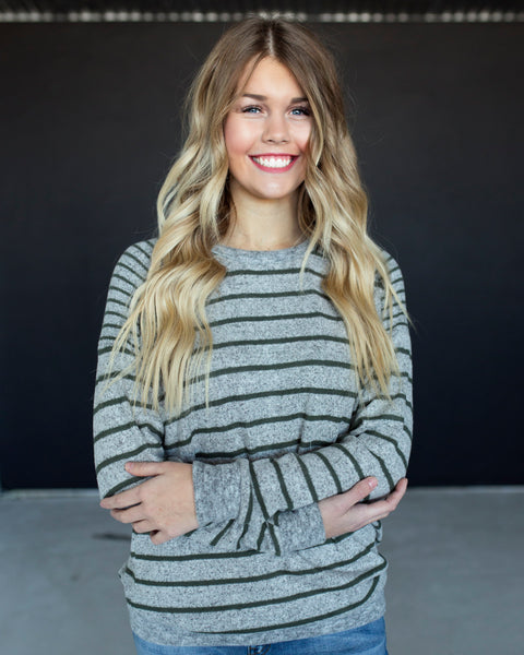 FINLEY BRUSHED KNIT STRIPED TOP - GRAY/OLIVE