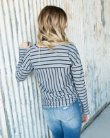 MAGGIE WAFFLE TIE FRONT TOP - GRAY/BLACK