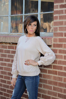 IVY LACE SLEEVE TOP - ALMOND