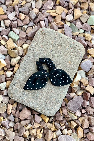 KNOTTED BOW SCRUNCHIE - BLACK DOT