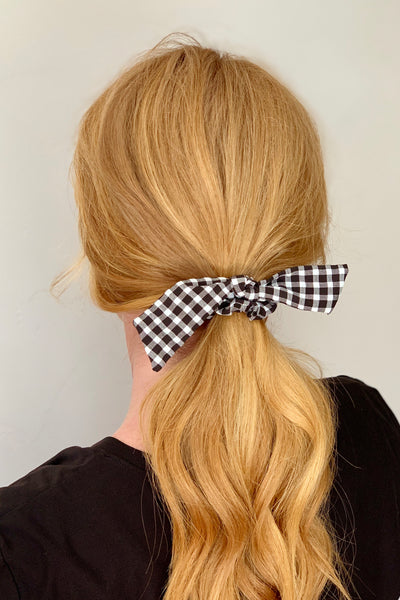 KNOTTED SCRUNCHIE - BLACK GINGHAM