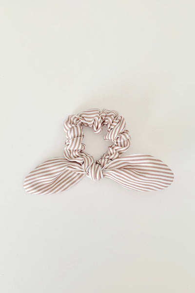 KNOTTED BOW SCRUNCHIE - TAUPE STRIPE