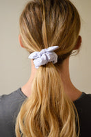 KNOTTED PINSTRIPE SCRUNCHIE