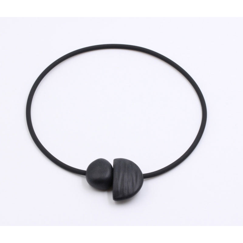 Black Leo Ceramic Necklace - Zouf.biz