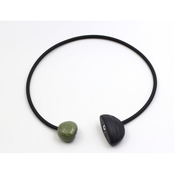 Khaki Leo Ceramic Necklace - Zouf.biz