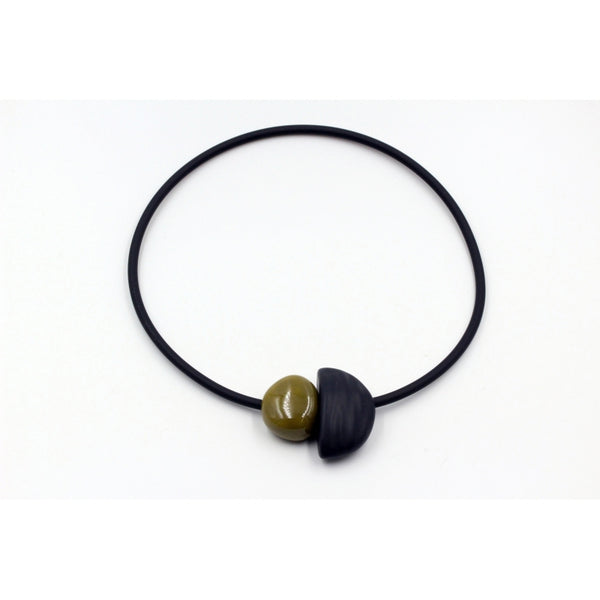 Pistachio Leo Ceramic Necklace - Zouf.biz