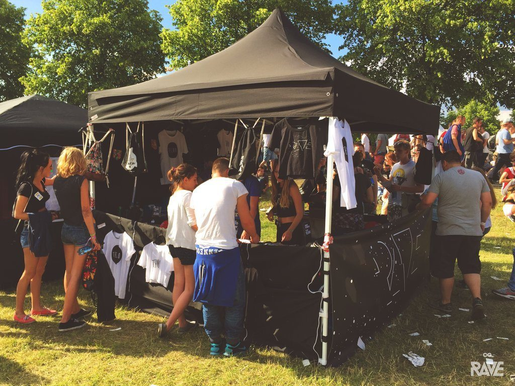 RAVE Clothing Pop Up Store at Ruhr-in-Love 2015