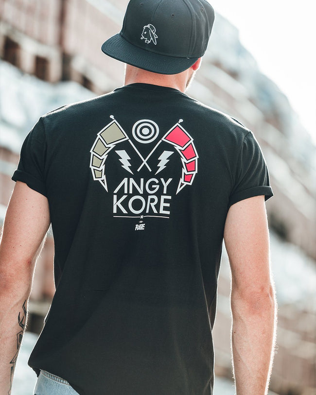 AnGy KoRe x RAVE Clothing T-Shirt in schwarz