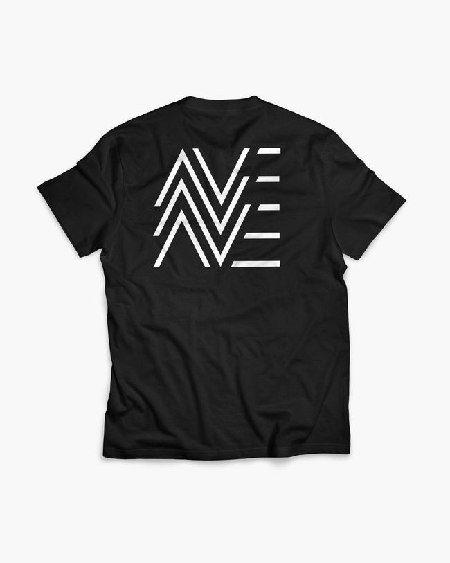 DJane AVE Crew T-Shirt von RAVE Clothing