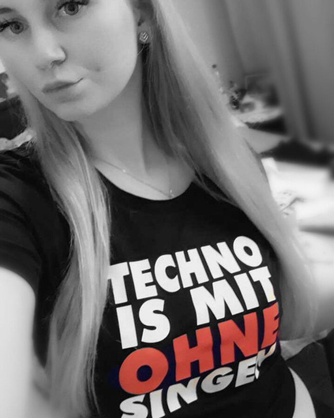 Techno is mit ohne singen Crop Top von RAVE Clothing