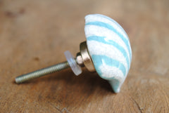 Clam Shell Off-White & Turquoise