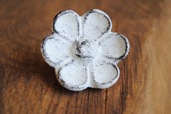 Cast Iron Flower Knob in White