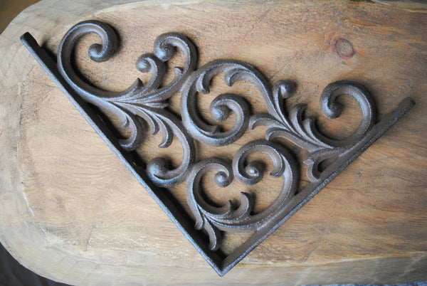 Cast Iron Scroll Bracket - Large