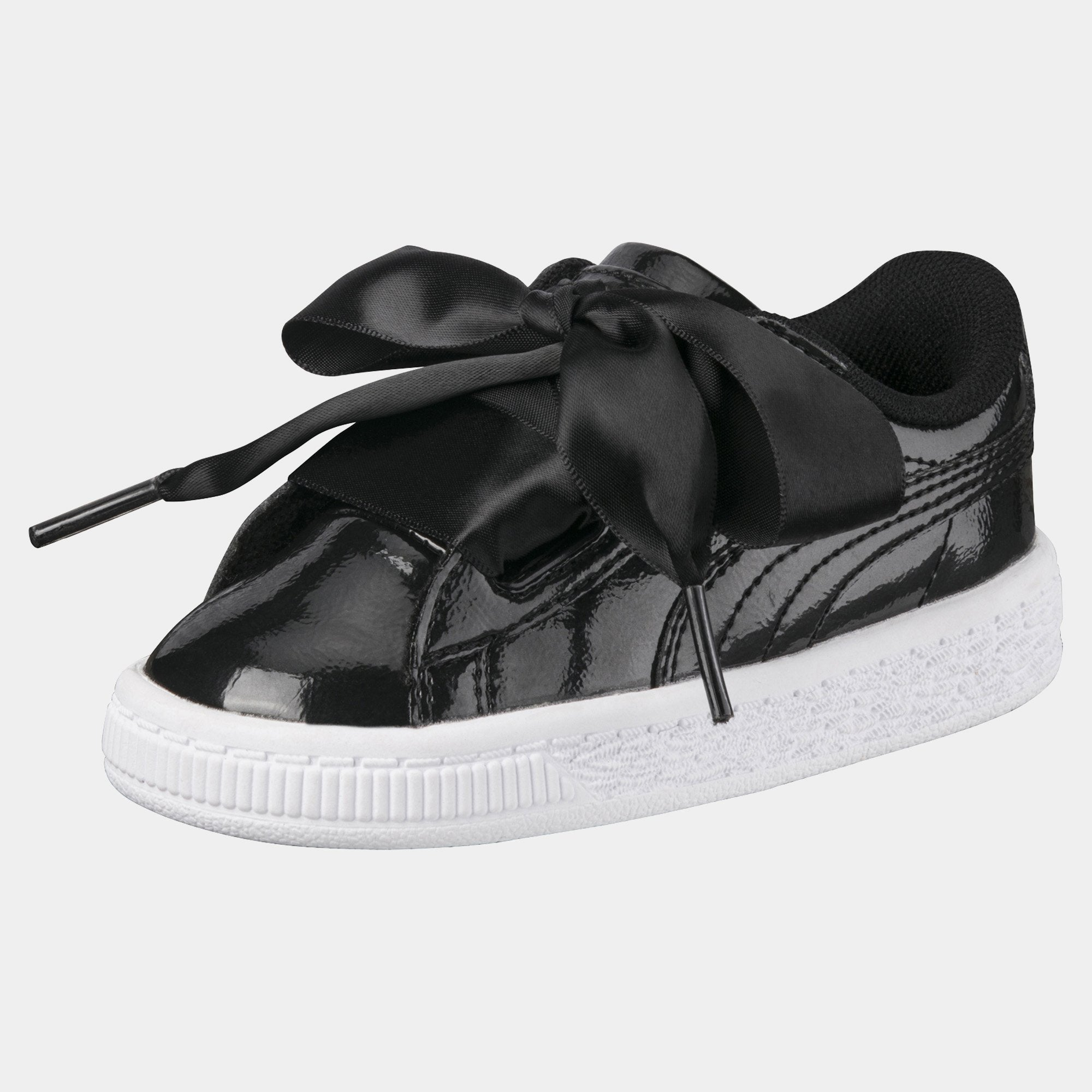 on sale 39c7a 49c16 Puma Basket Heart Black