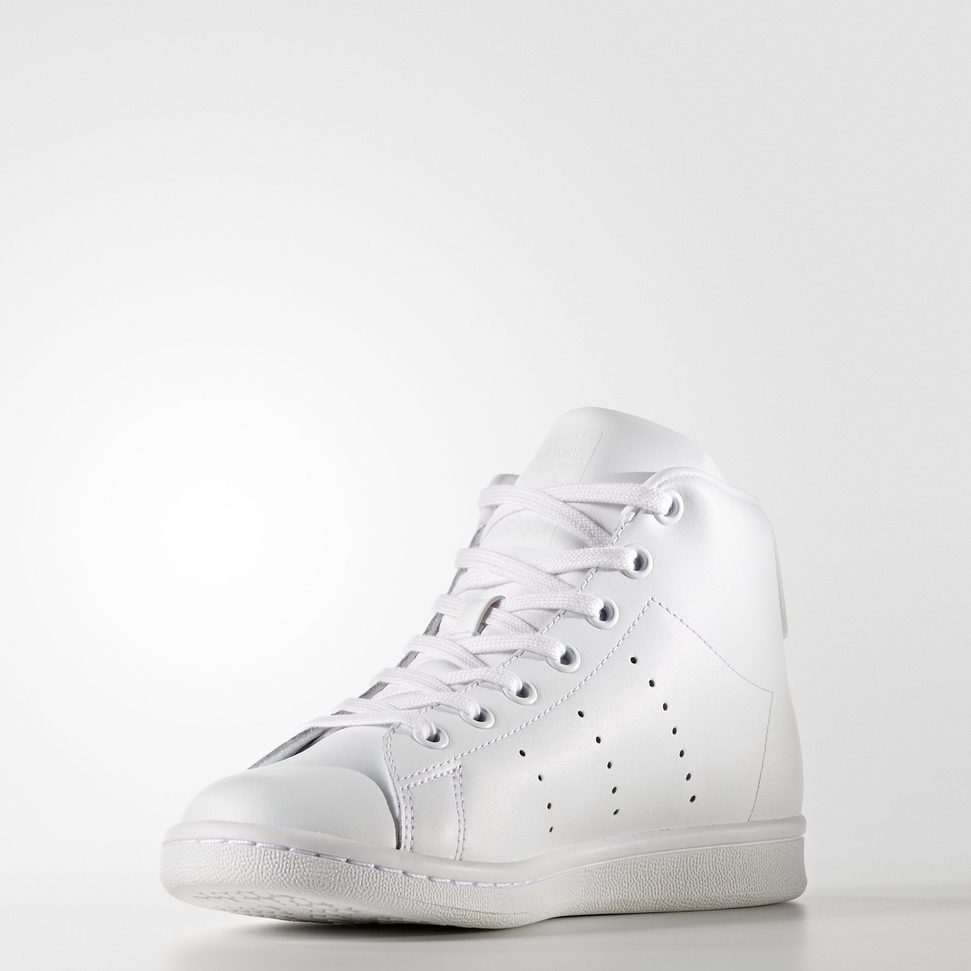 47ef609ebc0b ... denmark adidas stan smith mid shoes white branded feet a199a d377b
