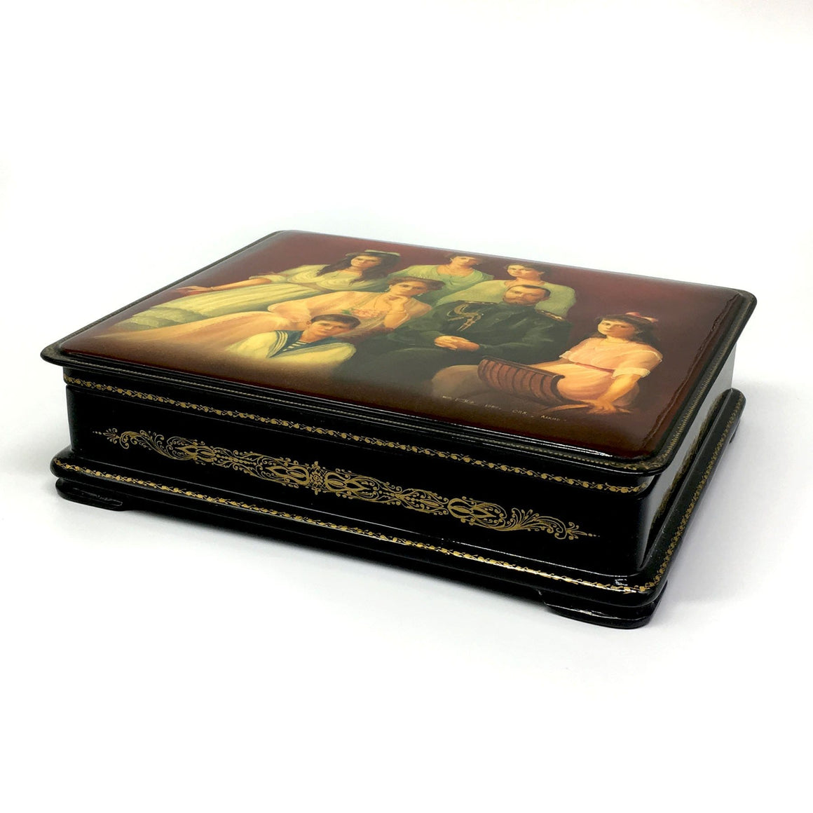 "Lacquer Box ""Royal Family Martyrs"" (hand-painted)"