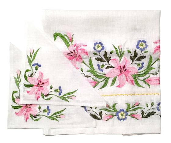Wedding Rug & Candle Napkins: Lilies