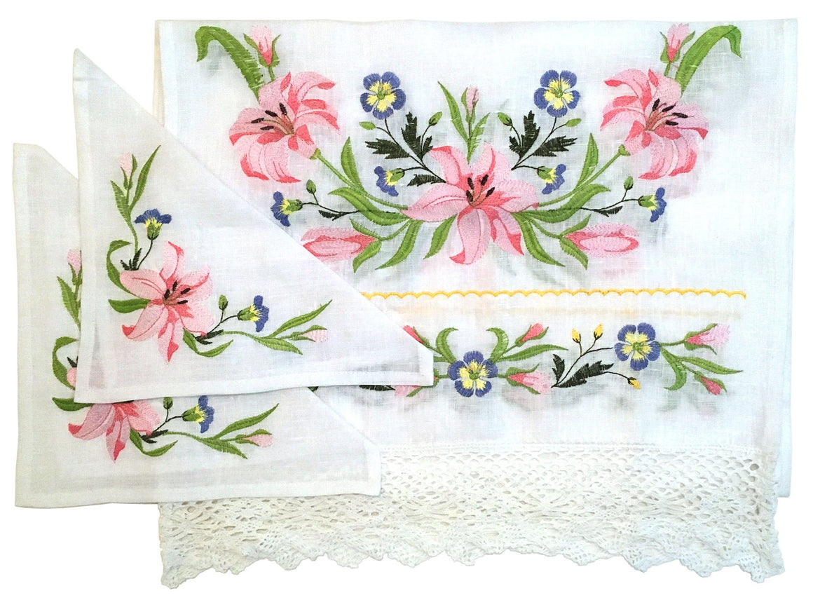Wedding Rug & Candle Napkins: Lilies & Lace