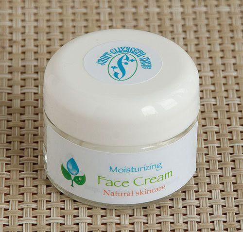 Natural Face Cream: Moisturizing