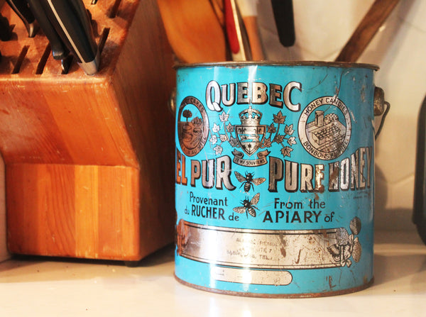 'from the apiary of' vintage quebec canadian honey tin 'du rucher de' boite de conserve vintage antique miel québecois