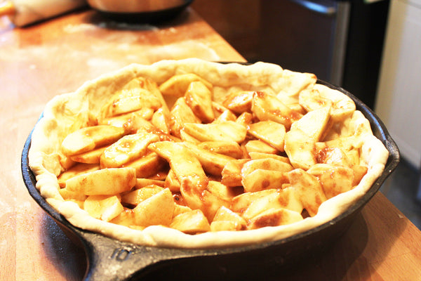 apple crumb cast iron skillet pie