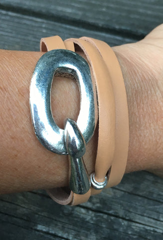 Leather wrap bracelet with chunky clasp Tan