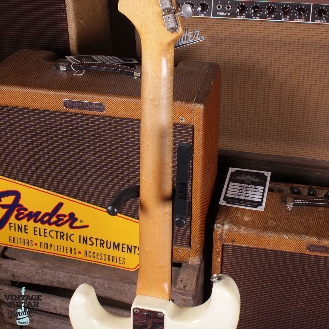 1965 Fender Stratocaster - Olympic White - Vintage Guitar Boutique - 7
