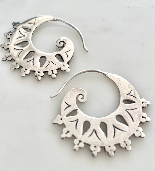 SACRED SPIRAL EARRINGS SILVER
