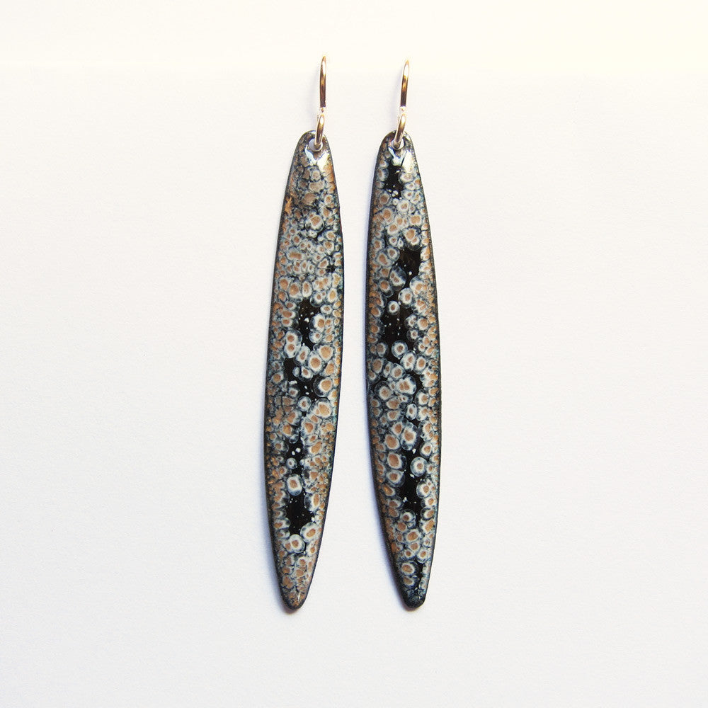 Long black and gold enamel earrings - gold wires
