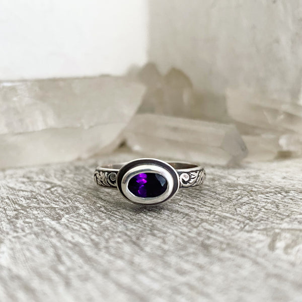 DISCOUNTED! Faceted Amethyst Stacking Ring ✦ Size 7 3/4