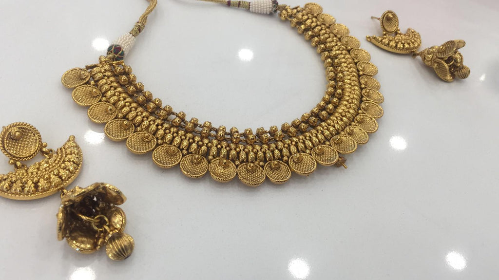 Antique necklace set