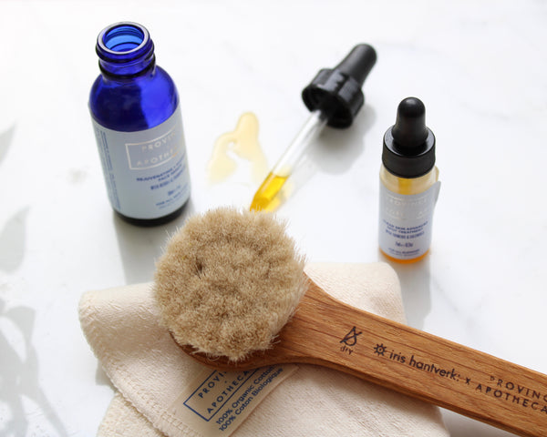 FUNDAMENTALS | Daily Glow Facial Dry Brush