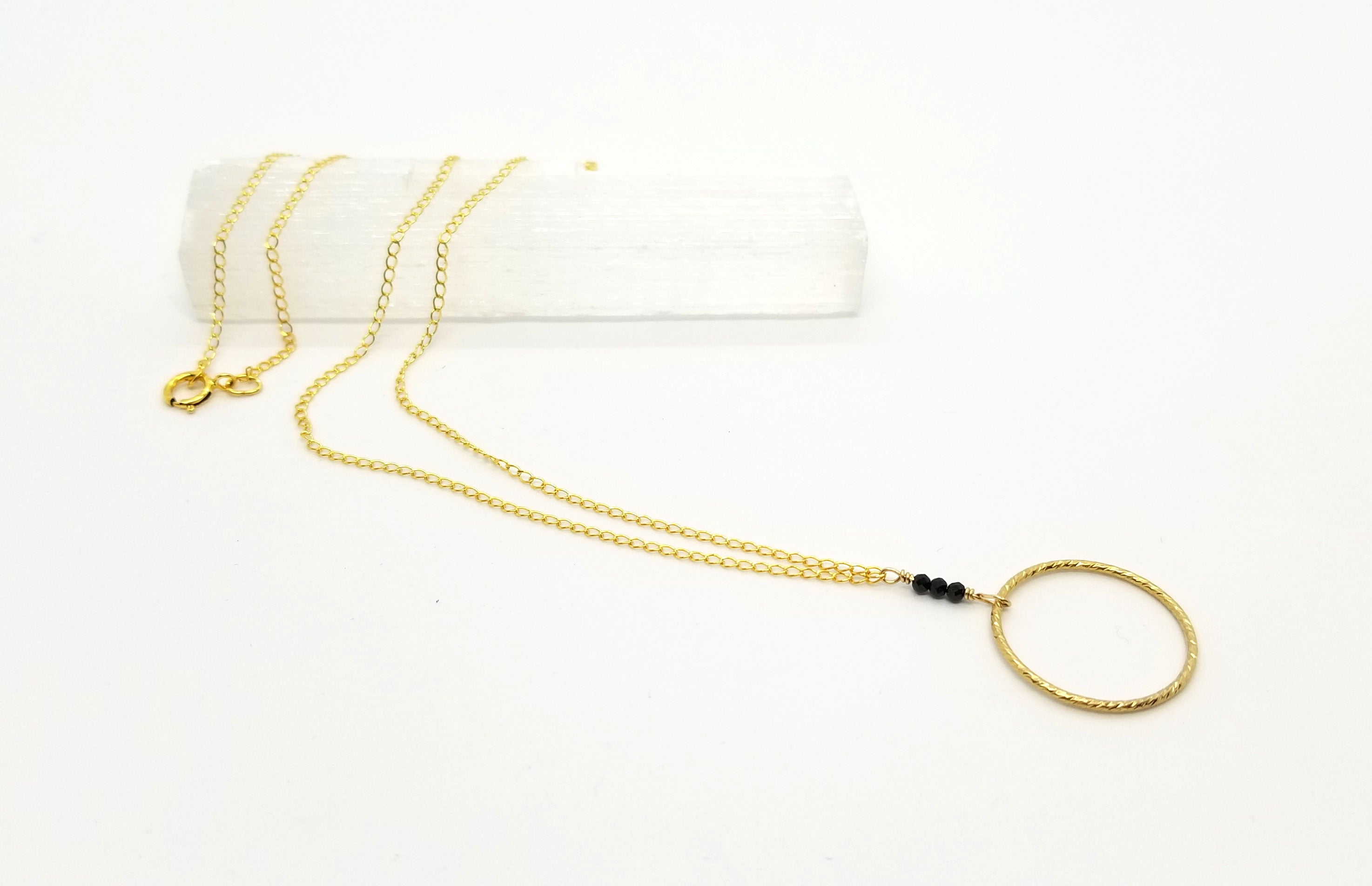 Black Spinel Teardrop Circle Gold Chain