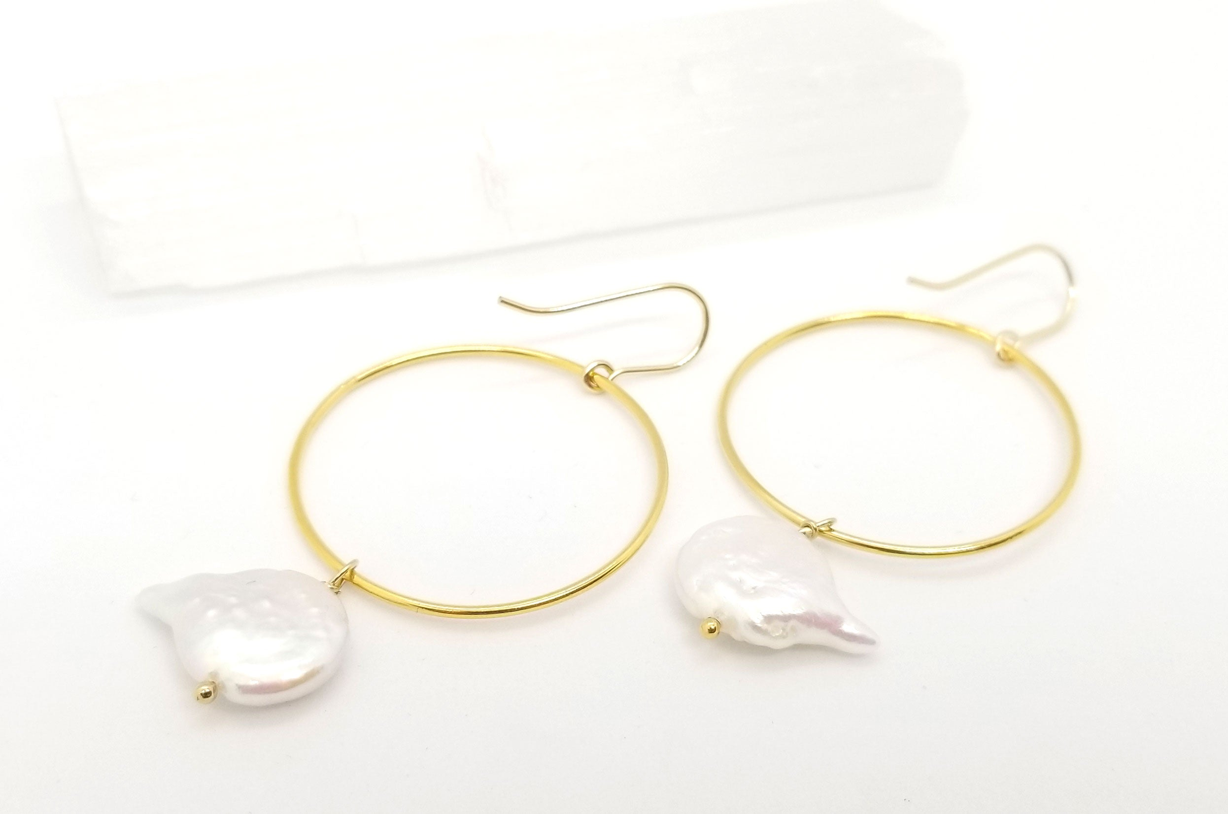 Keshi Pearl Gold Circle Earrings
