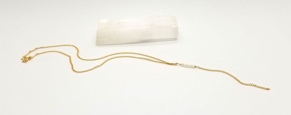 Dash of Pearl and Gold Necklace
