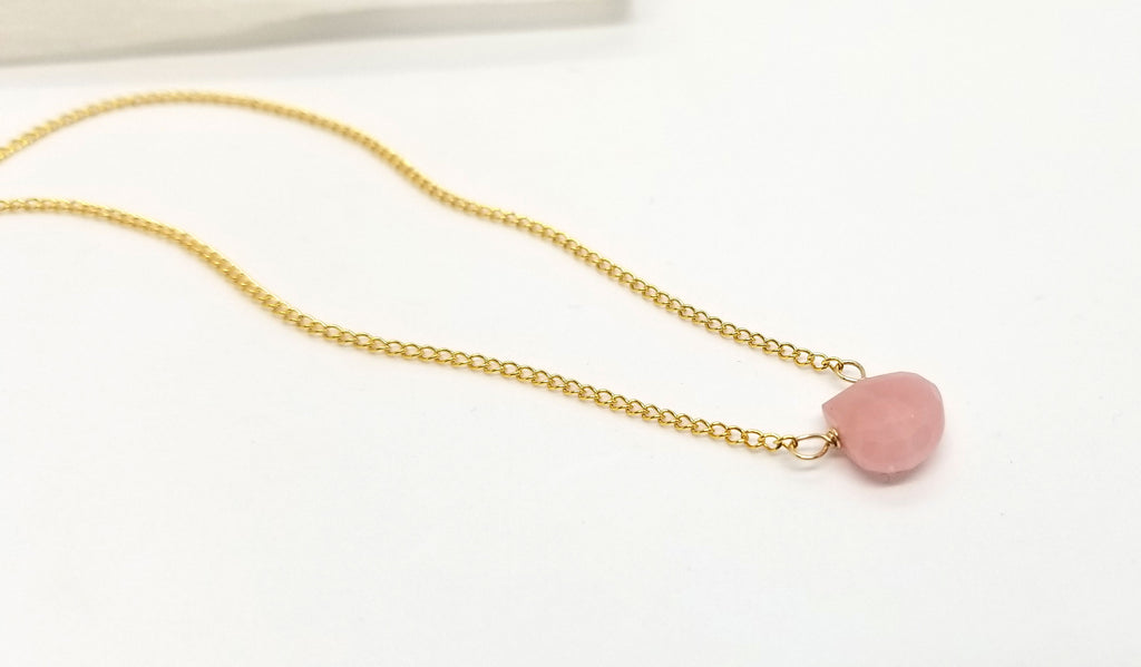 Tulum Guava Quartz Gold Necklace
