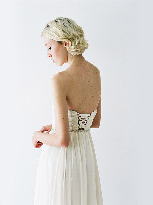 Lace-up wedding dress.