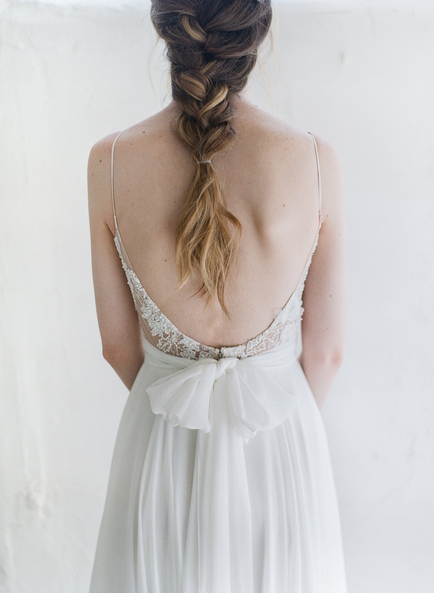 Flowy chiffon dress sash in off-white