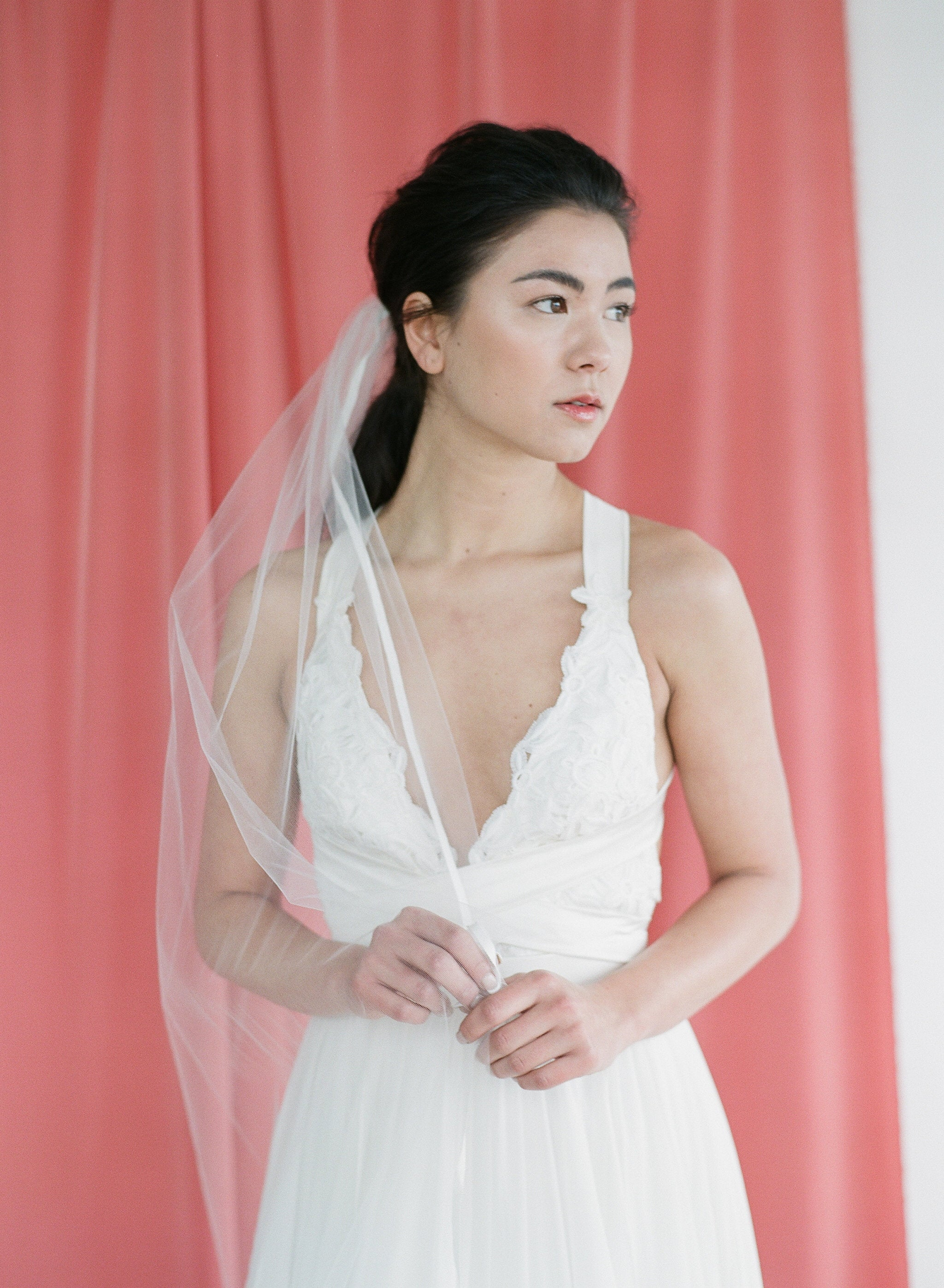 Grosgrain ribbon trim veil in offwhite tulle