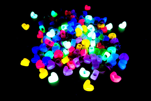 Glow in The Dark UV Heart Plastic Beads (150/Pack) - Kandies World