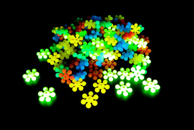 Neon UV Daisy Flower Beads (150/Pack) - Kandies World