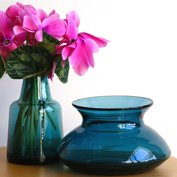 Vase Teal Squat - the source