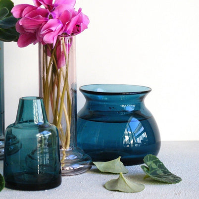 Vase Teal Posy - the source
