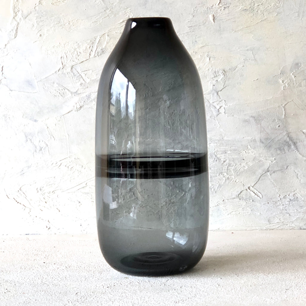 Swirl Casamoto Vase - Smoke Tall - the source