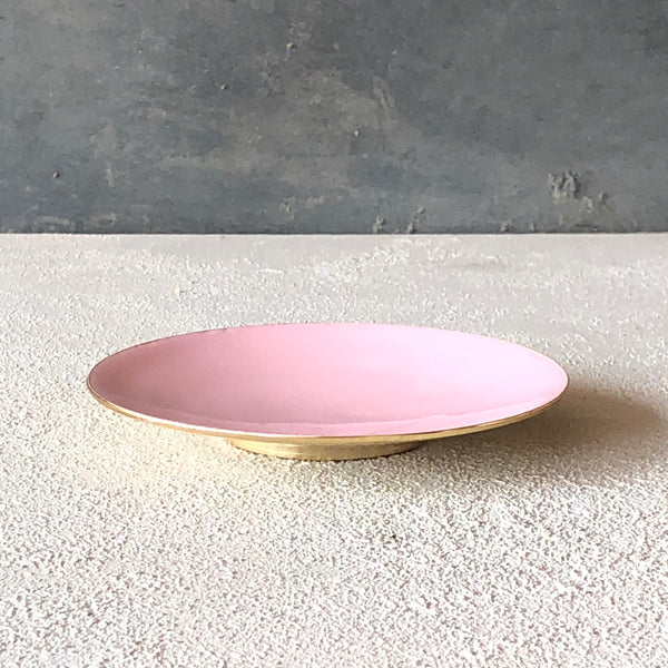 Brass dish with enamel Pink - the source