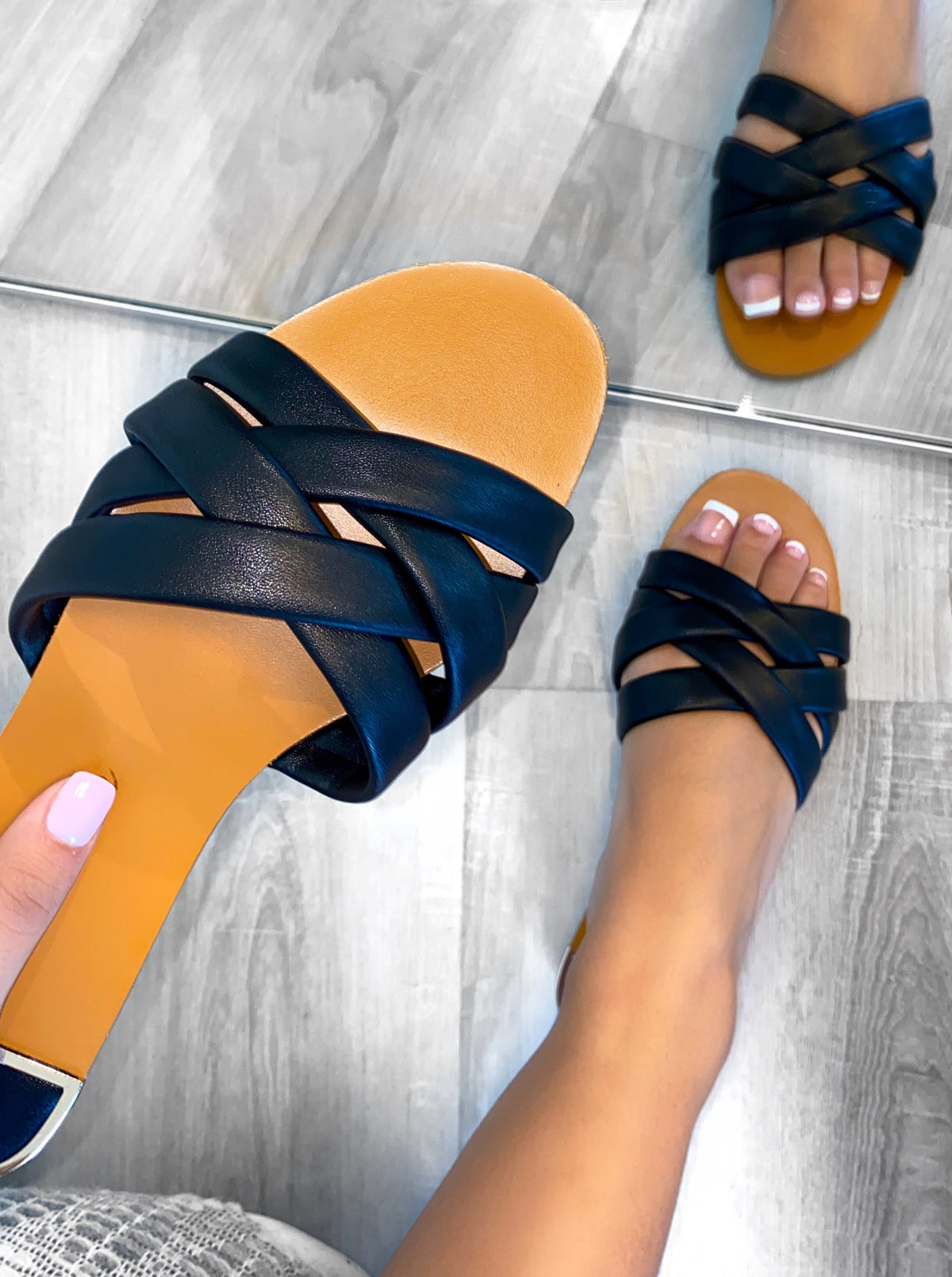 Isabel Sandals (Black)