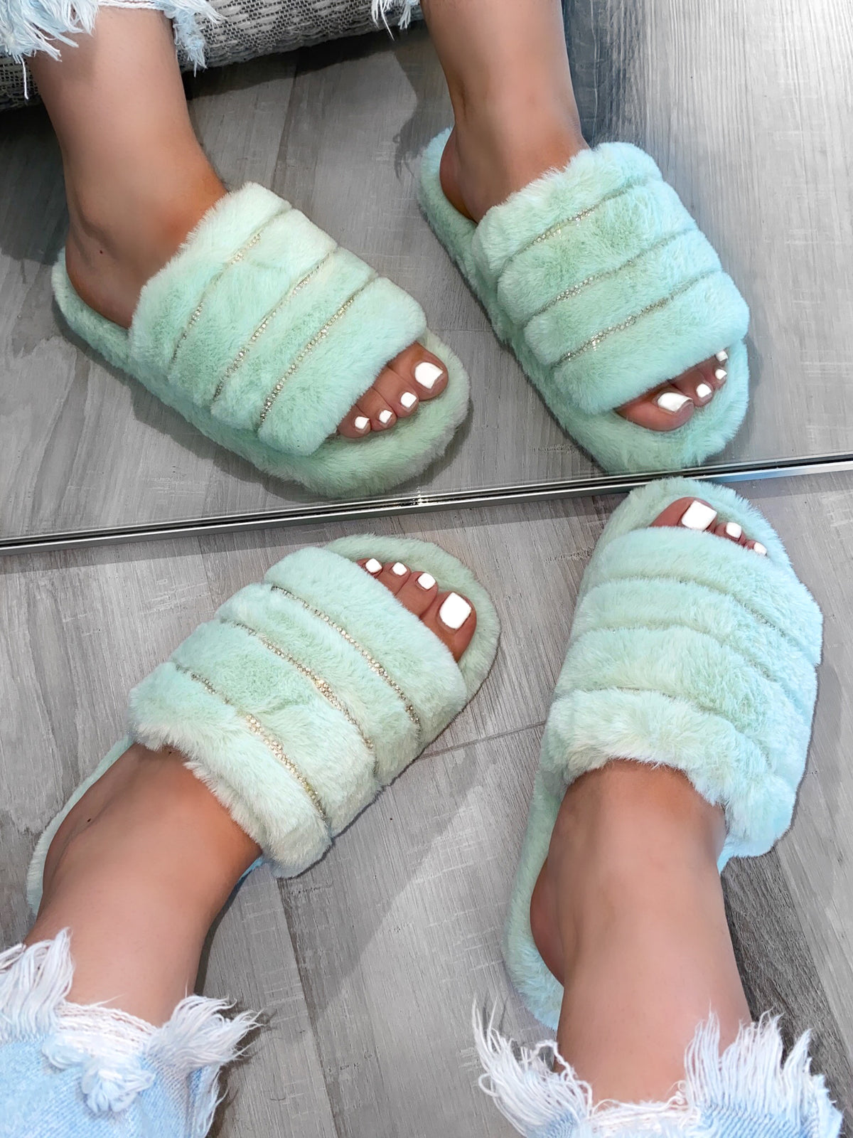 Jess Slides (Mint)